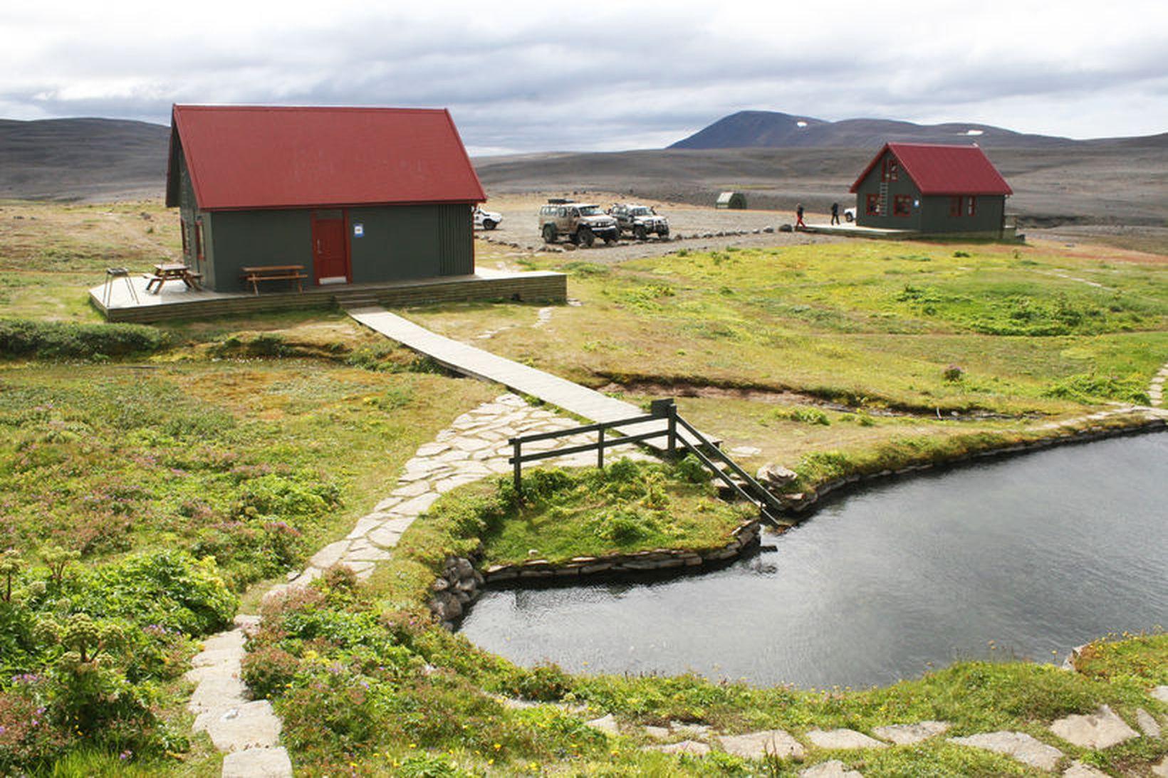 Allir skálar Ferðafélags Íslands eru nú opnir. Hér má sjá …