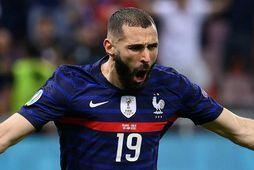 Karim Benzema fagnar marki sínu fyrir Frakka gegn Sviss á EM í sumar.