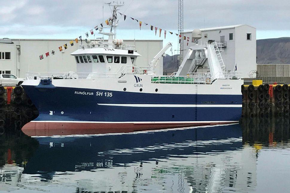 Runólfur SH 135 í Grundarfjarðarhöfn í gær.