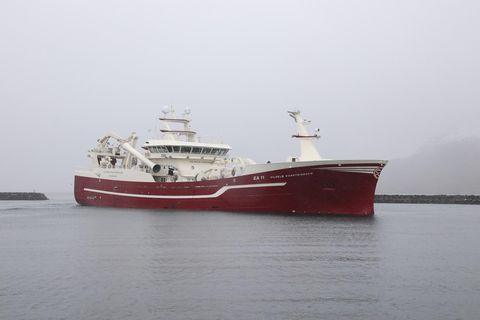 Vilhelm Þorsteinsson EA kemur til löndunar í Neskaupstað á miðvikudag. Aflinn var 2.685 tonn af …