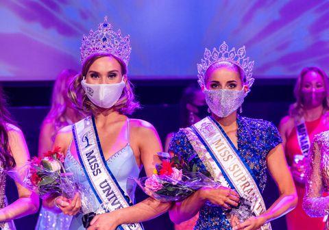 Á bakvið grímurnar leynast Elísabet Hulda Snorradóttir, Miss Universe Iceland, og Dísa Dungal, Miss Supranational.