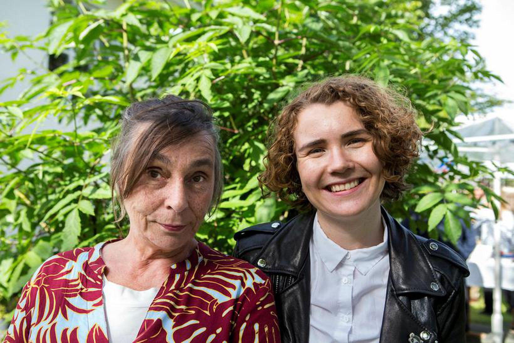 Mæðgurnar Guðrún Gísladóttir og Vera Illugadóttir.
