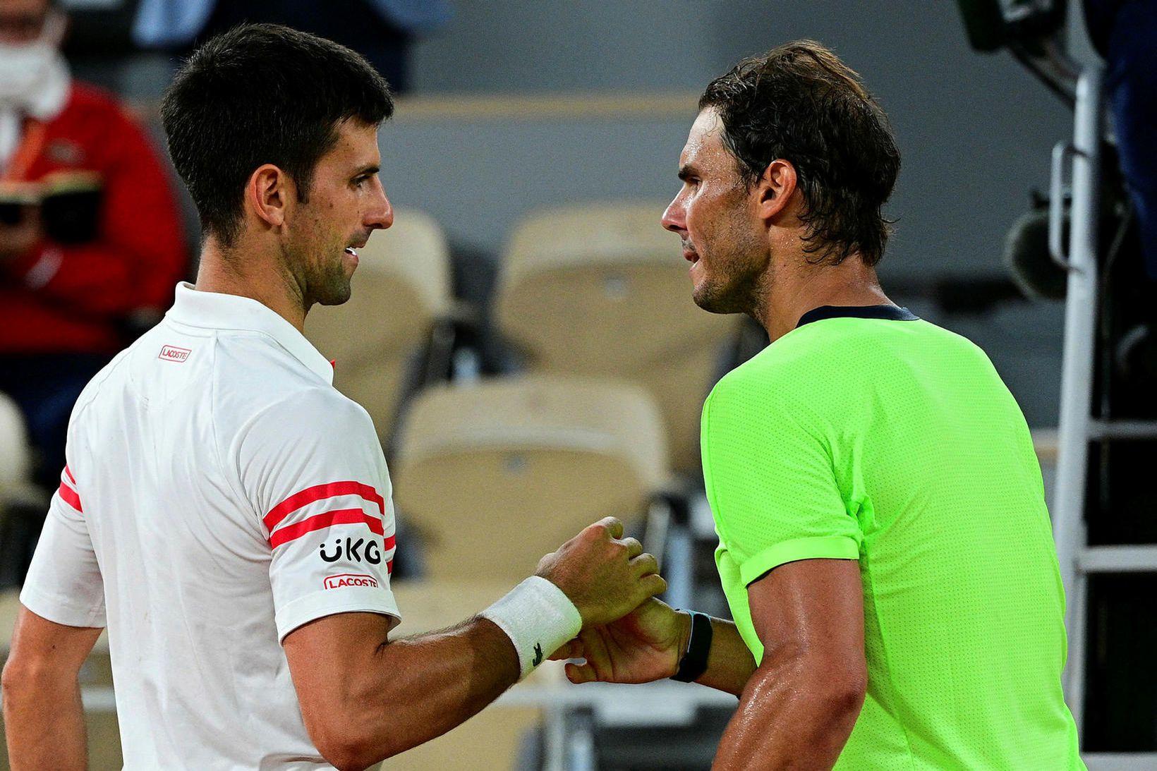 Novak Djokovic og Rafael Nadal takast í hendur eftir ótrúlegan …