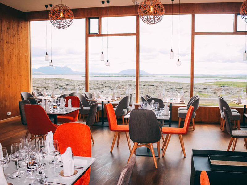 Fosshótel Mývatn also features a restaurant seating 120 people and an on-site bar with views of the lake.