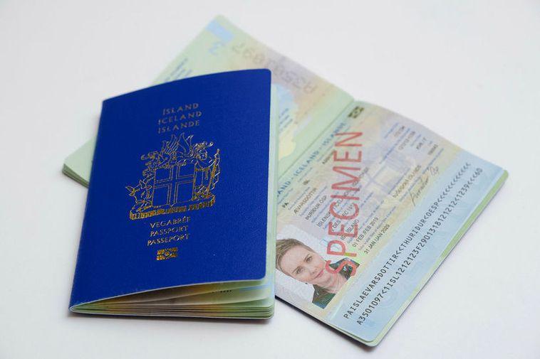 The old passport is still valid.