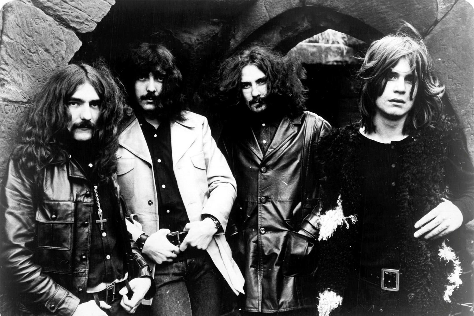 Black Sabbath við upphaf ferils síns; Geezer Butler er lengst …