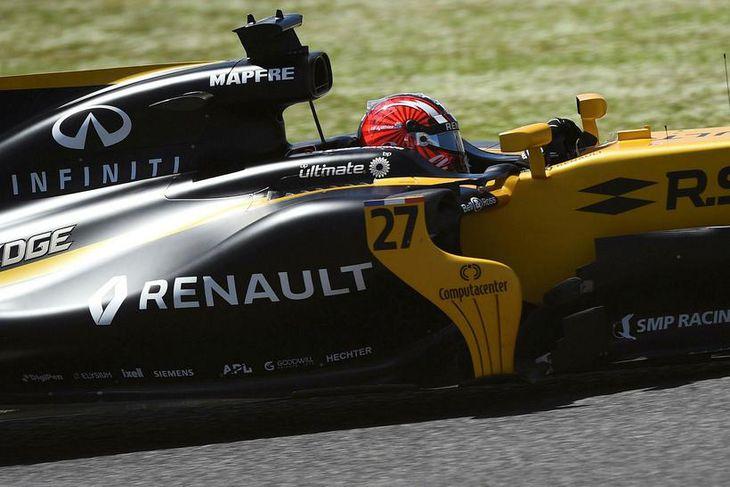 Nico Hülkenberg var öflugur á Renault á seinni æfingunni í Barcelona.