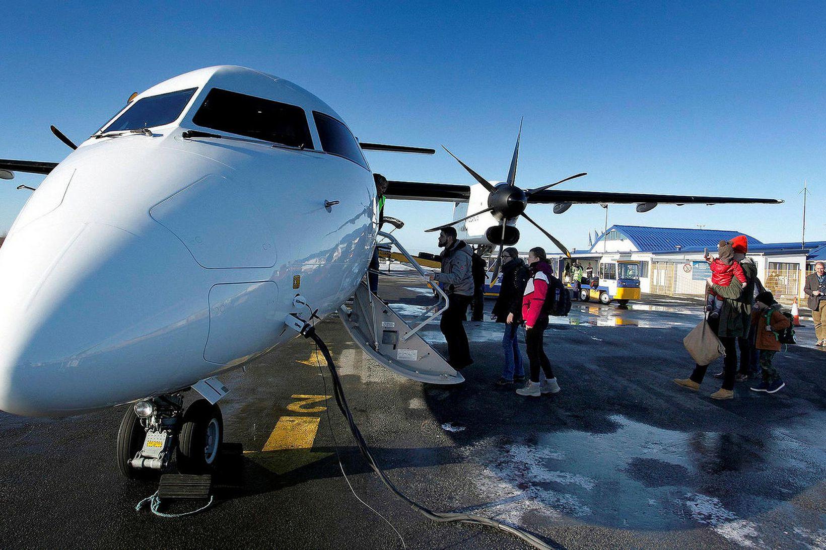 Bombardier Q 400Vélarnar eru hljóðlátar og afkastamiklar.
