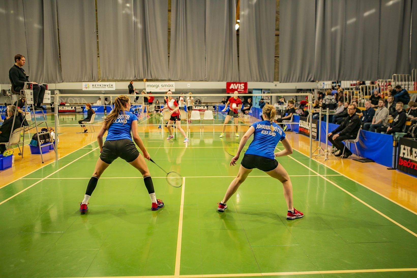 Keppni í badminton fer fram í TBR-húsunum við Gnoðarvog.