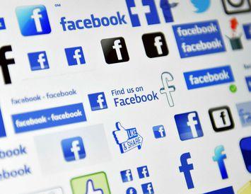 Facebook lokaði reikningi uppljóstrarans Christopher Wylie, sem segist ekki vilja hjálpa fyrirtækinu við rannsókn sína ...