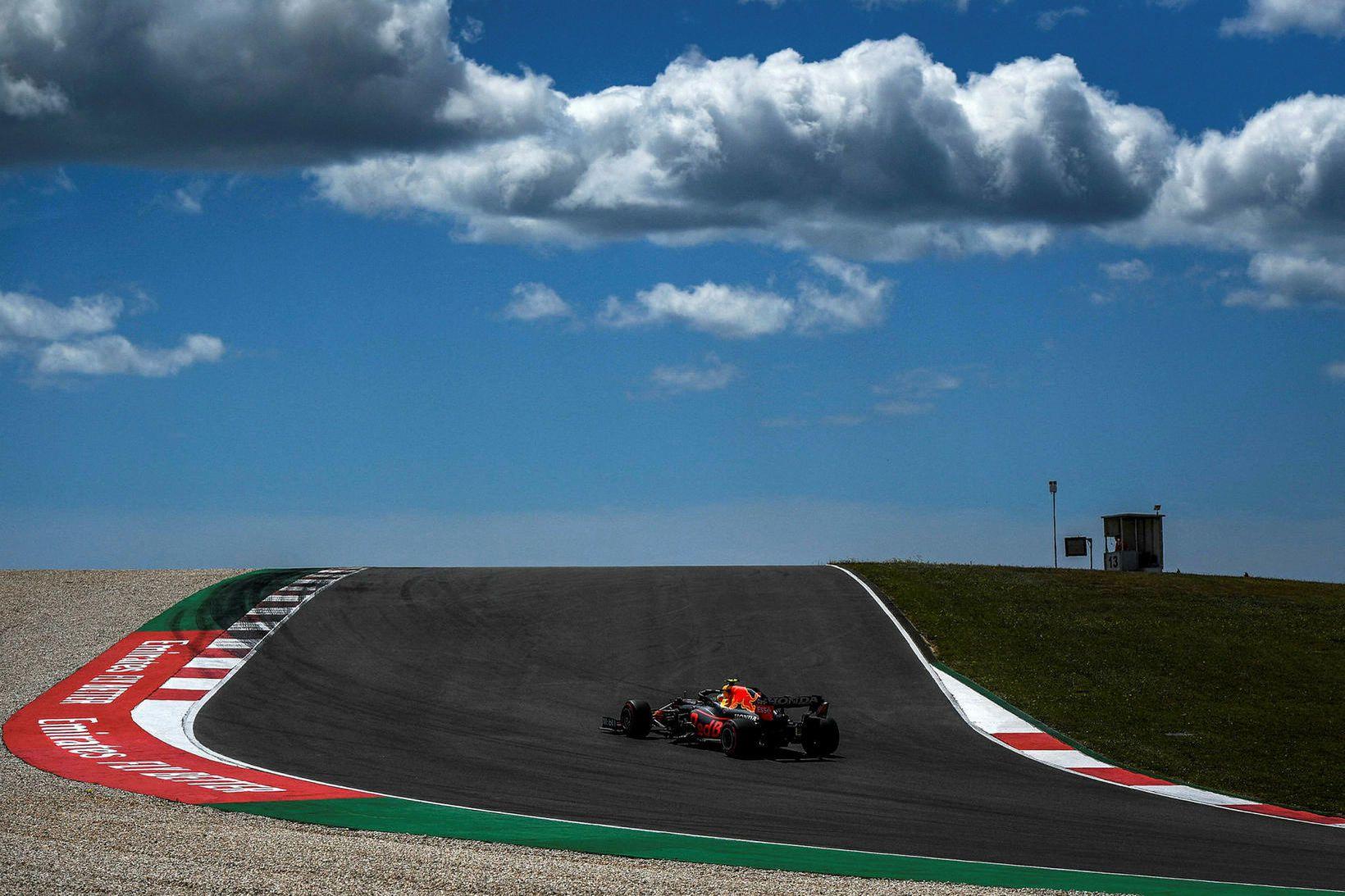 Max Verstappen á ferð í Portimao brautinni í Algarve í …