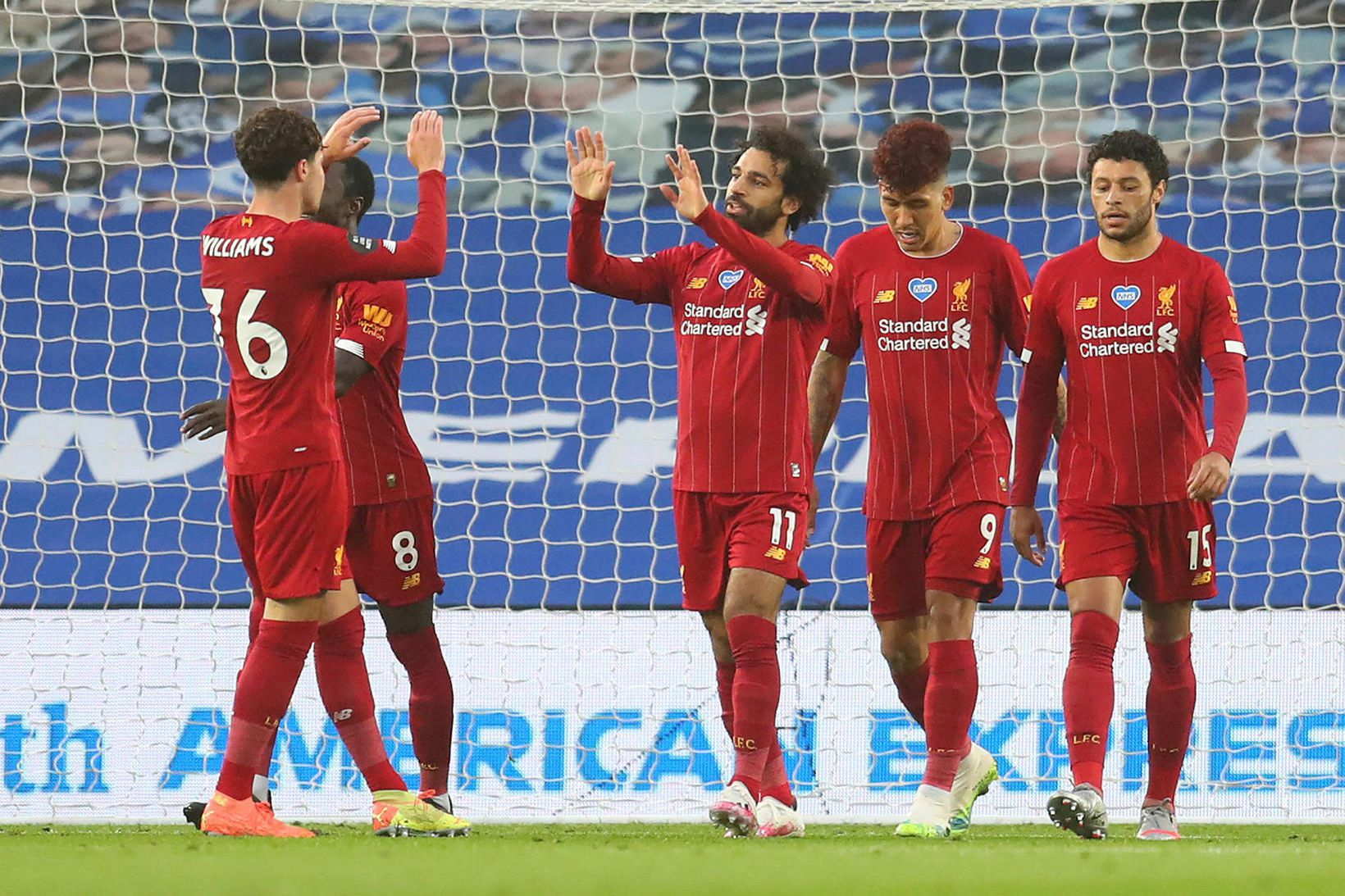 Liverpool fær Burnley í heimsókn í dag.