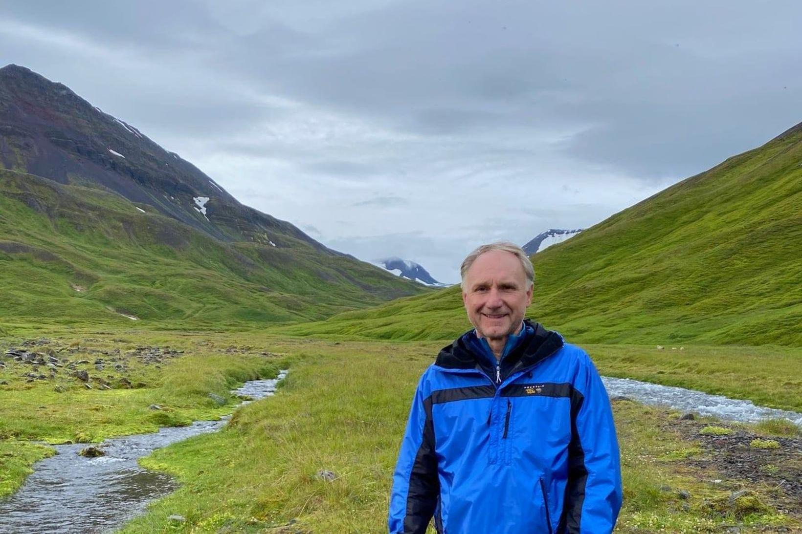 Dan Brown er staddur á Íslandi.