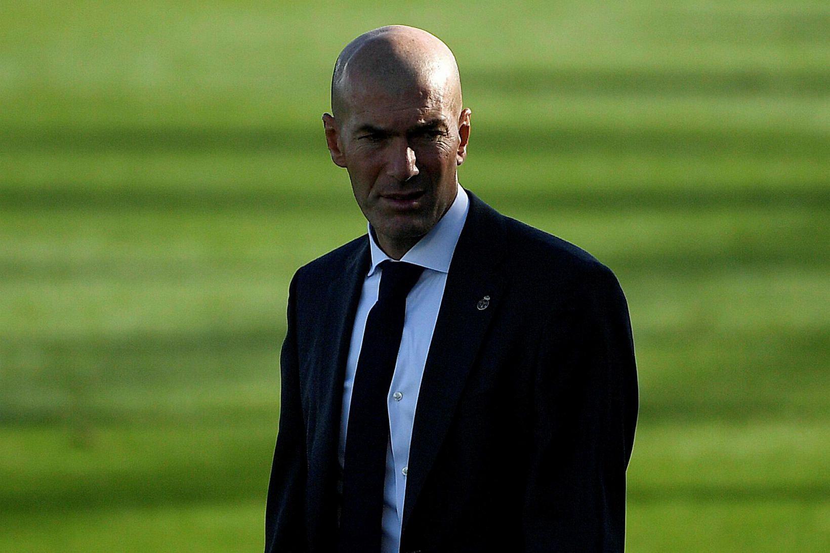 Zinedine Zidane knattspyrnustjóri Real er í erfiðri stöðu.