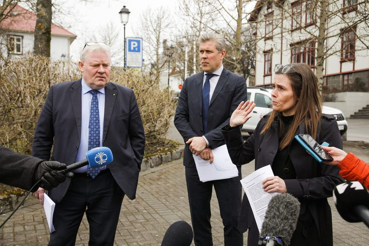 The Icelandic government approved the suggestions of a committee on refugee affairs at a meeting …