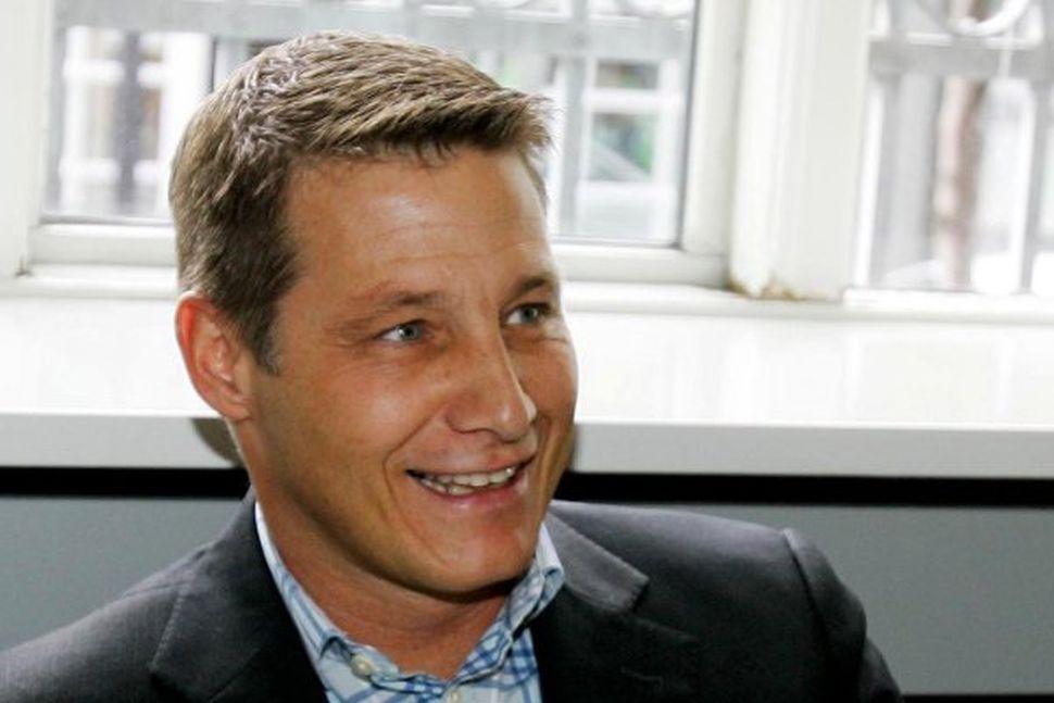 Jón Gerald Sullenberger ætlar að opna nýja verslun.