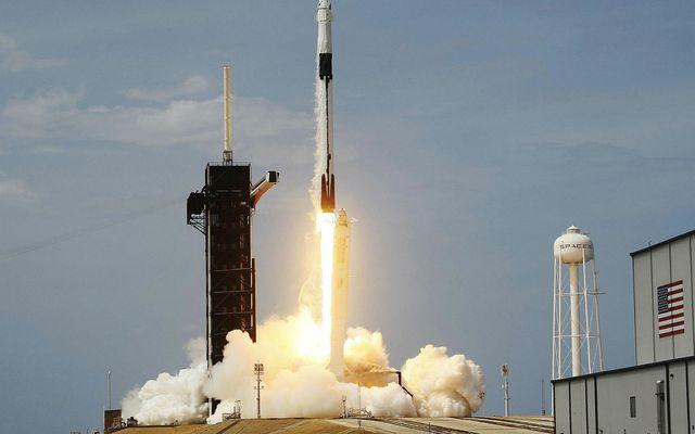 Falcon 9 tekur af stað í gærkvöldi.