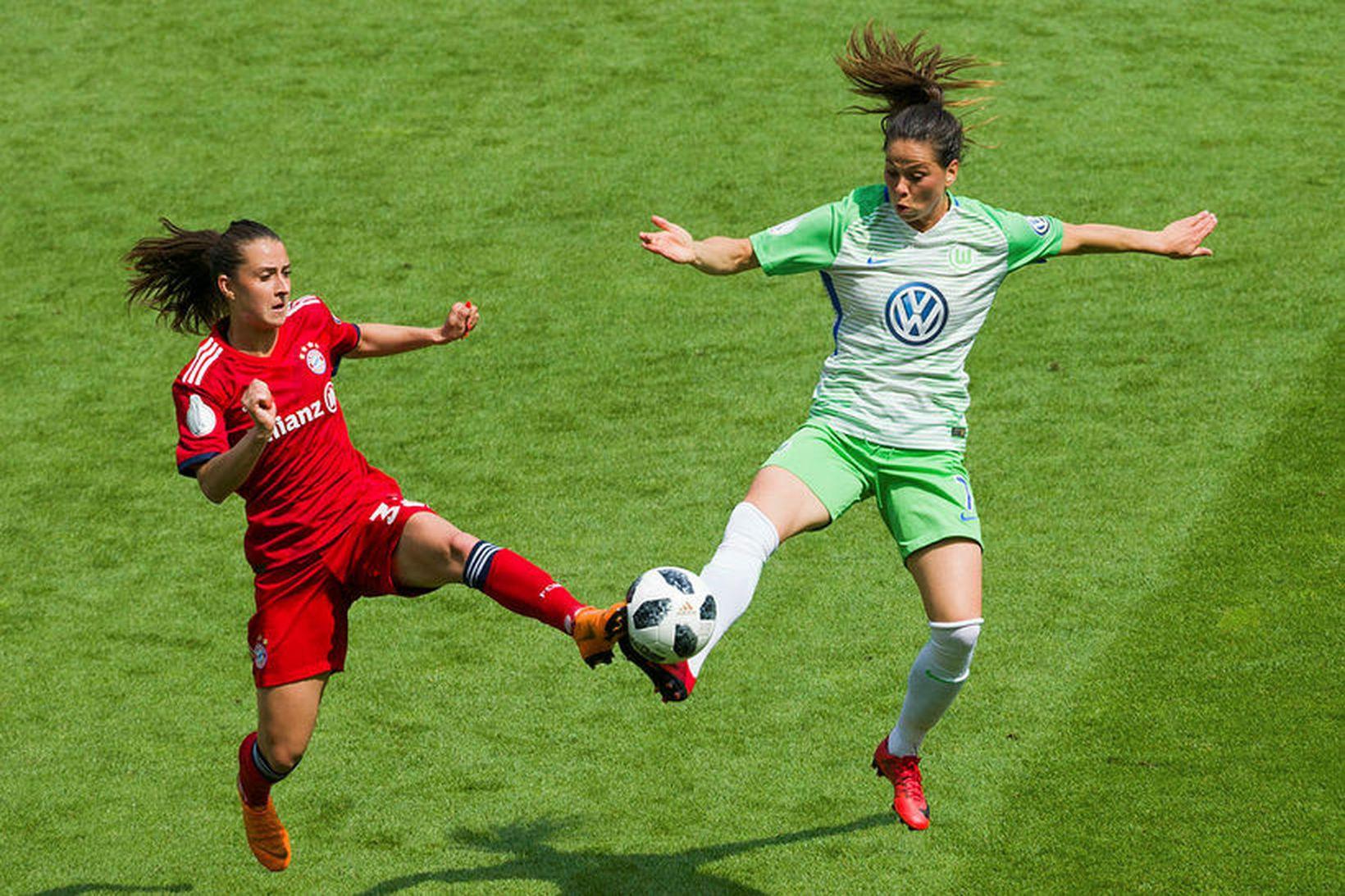 Sara Björk Gunnarsdóttir í leik með Wolfsburg.