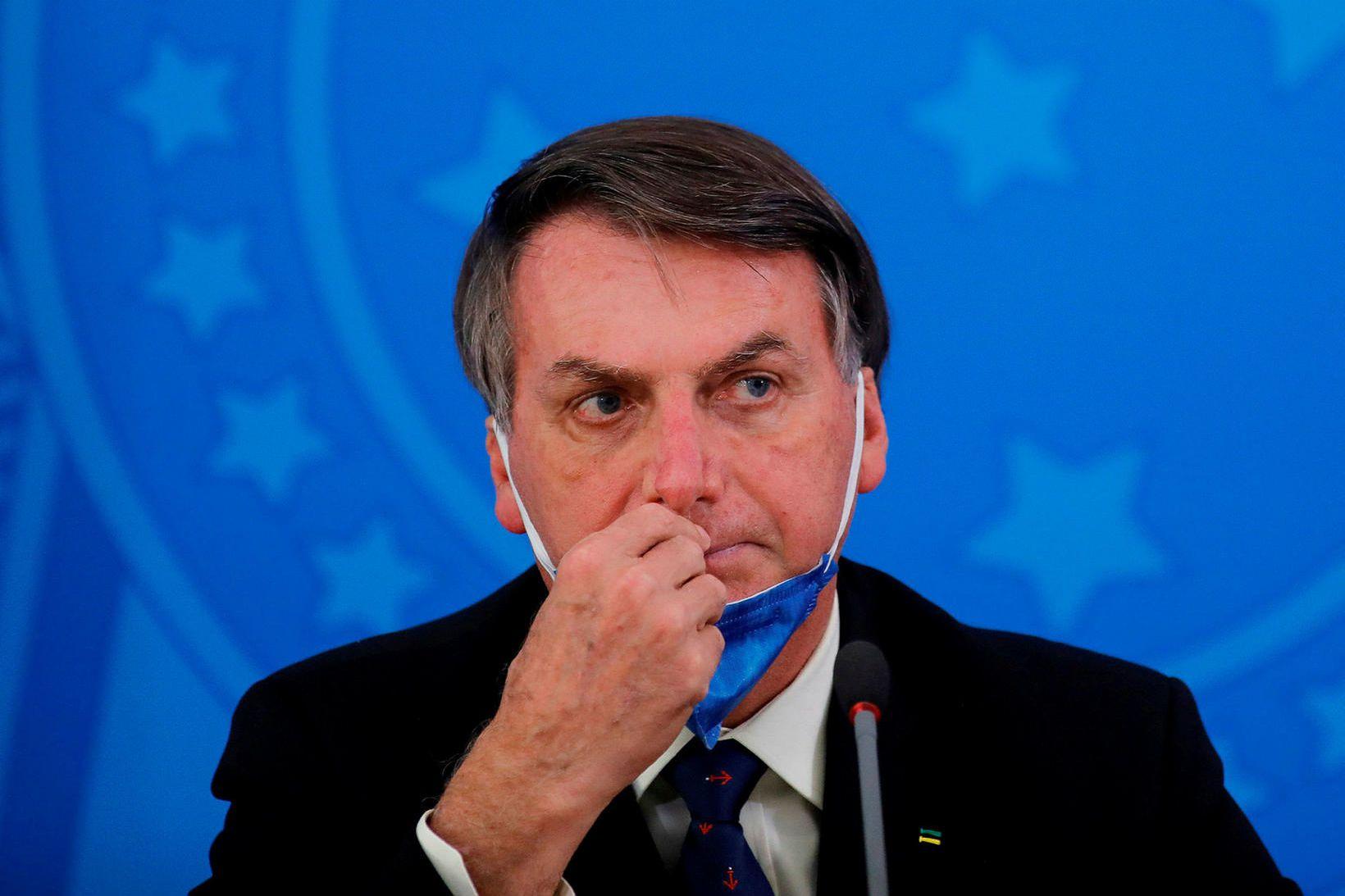 Bolsonaro hefur ítrekað gert lítið úr kórónuveirufaraldrinum.