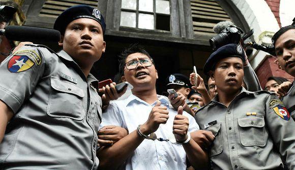 Blaðamenn Reuters í sjö ára fangelsi