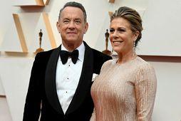 Tom Hanks og frú eru öll að koma til.