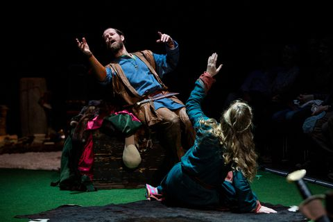 The play depicts all of the forty Icelandic sagas.