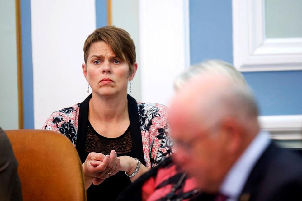 Líneik Anna Sævarsdóttir er fyrsti flutningsmaður tillögunnar.