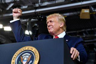 """Trump sagði að honum hefði litið """"eilítið illa"""" þegar að stuðningsmenn hans hófu upp raust ..."""