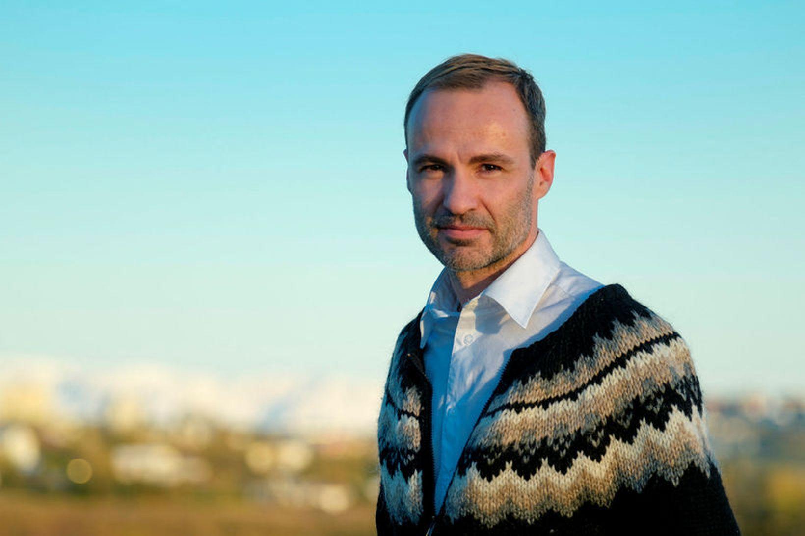 Jordi Pujola býr á Íslandi með íslenskri eiginkonu sinni og …