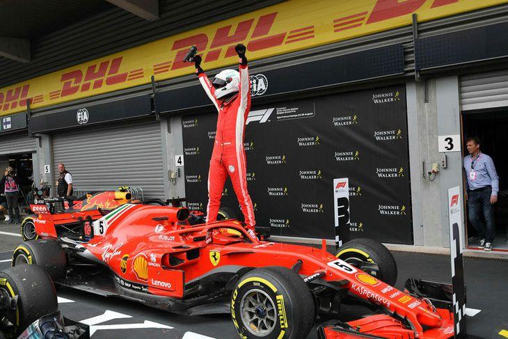 Sebastian Vettel hrósar sigri í Spa-Francorchamps síðastliðinn sunnudag.