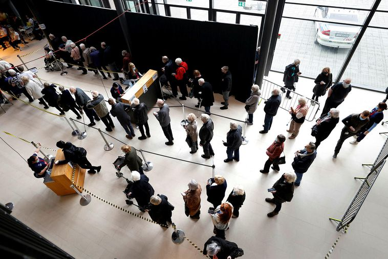 Standing in line for vaccination at Laugardalshöll, Reykjavík.