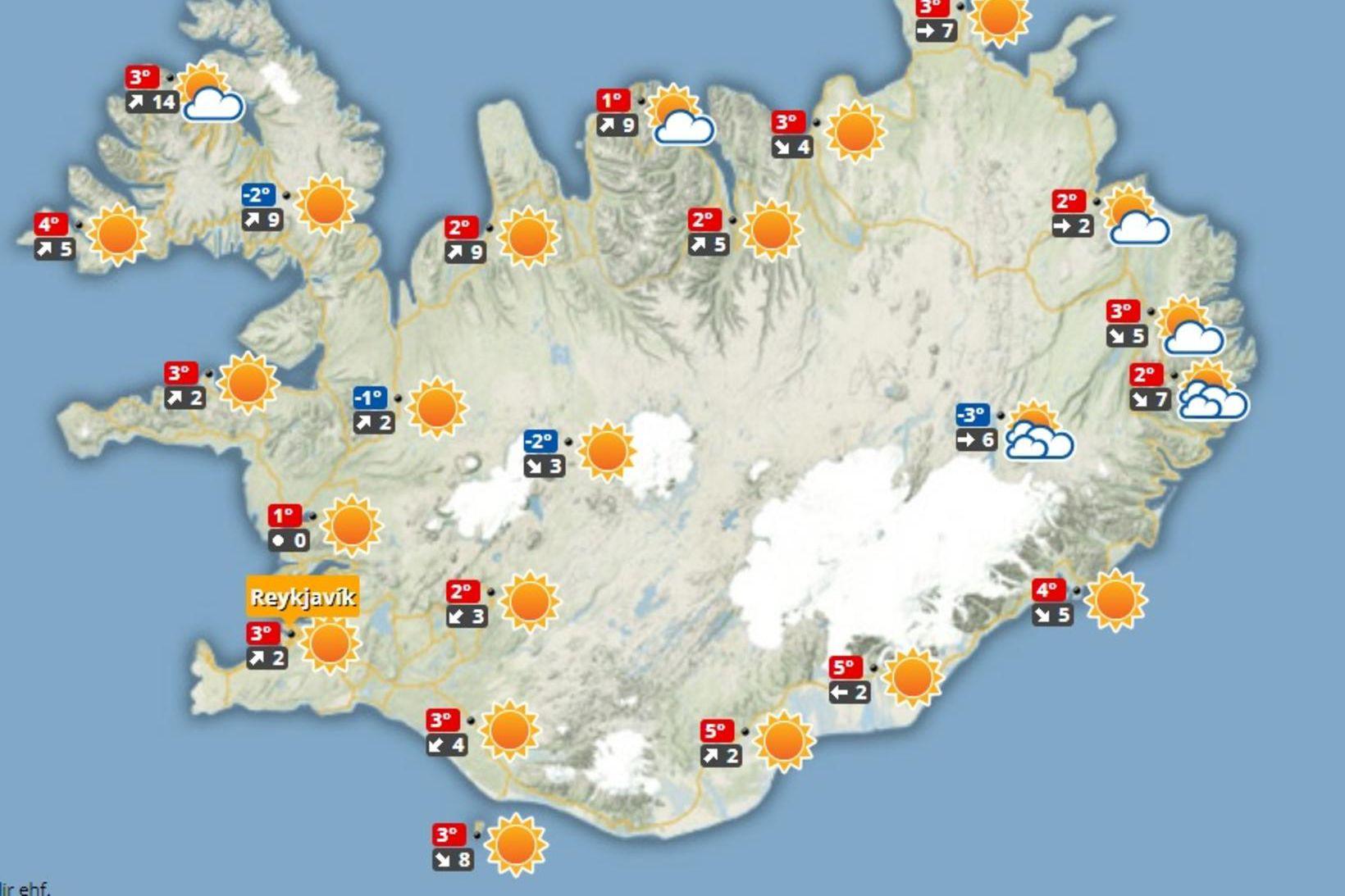 Vestlægri átt er spáð í dag.