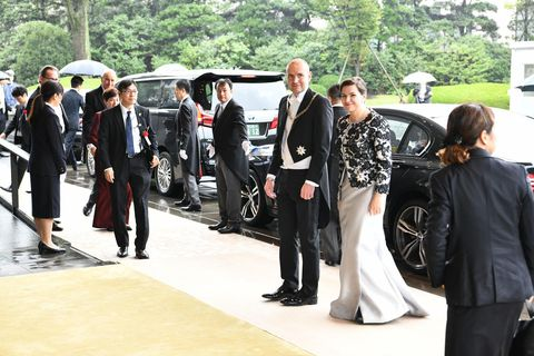 The presidential couple on their way to a dinner, hosted by PM Shinzo Abe, in honor of Emperor Naruhito.
