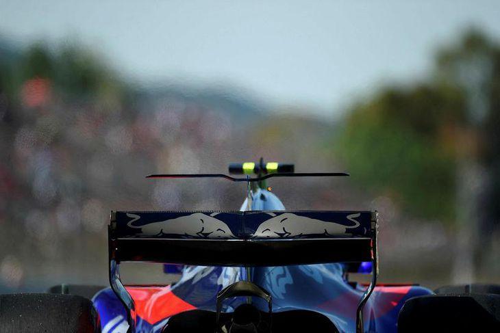 Carlos Sainz á Toro Rosso í Barcelona í dag.