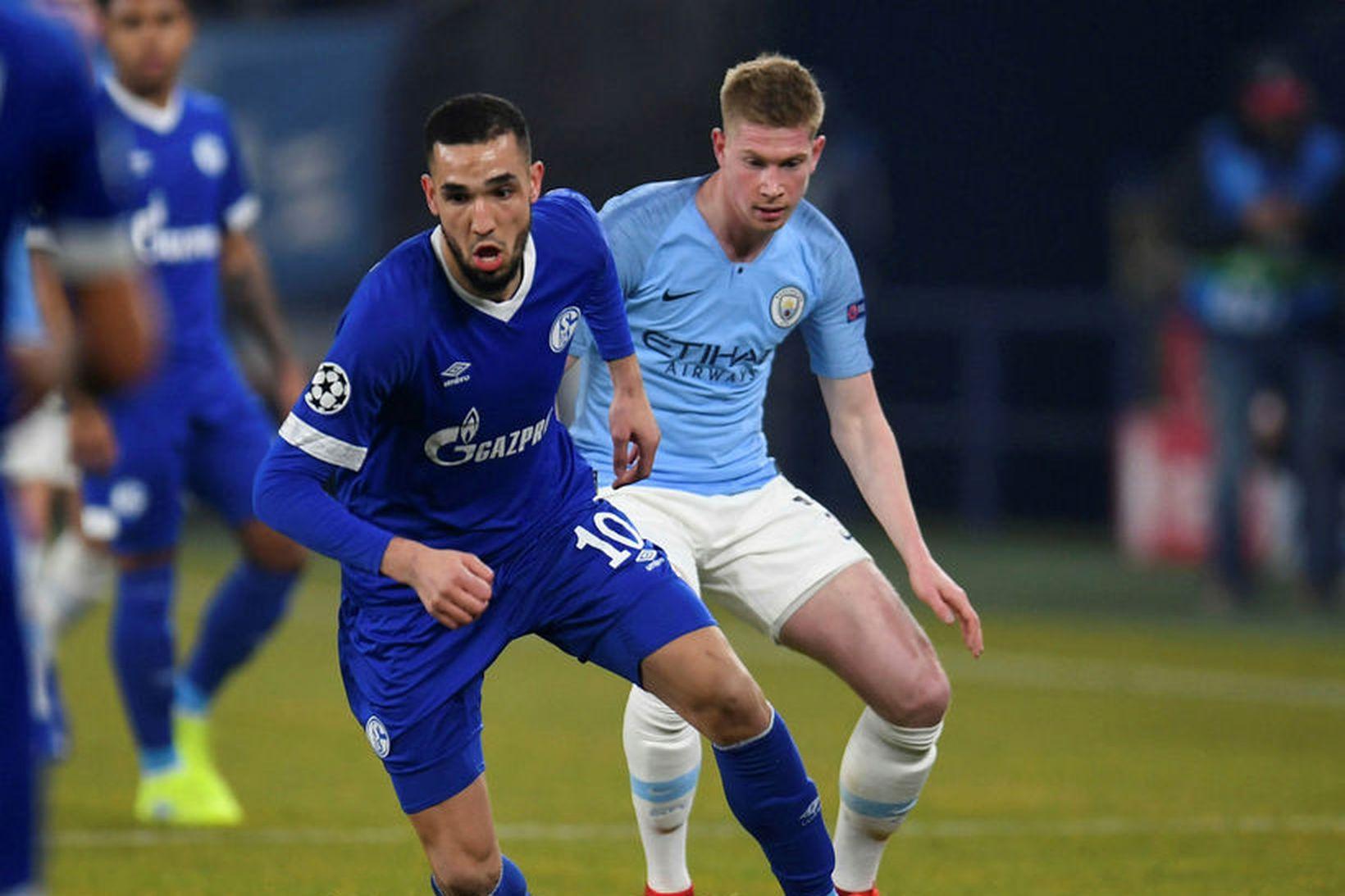 Nabil Bentaleb í leik með Schalke gegn Manchester City í …