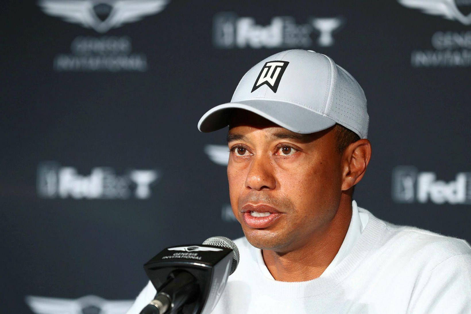 Tiger Woods ræðir við fréttamenn í Pacific Palisades í Kaliforníu.