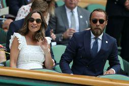 James Middleton ásamt systur sinni Pippu Matthews. Systir þeirra, Katrín hertogaynja, er gift Vilhjálmi Bretaprinsi.