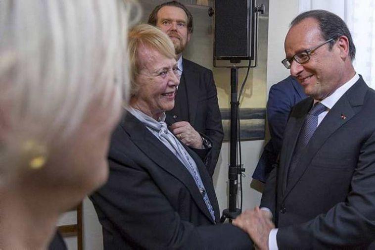 Hollande with former Icelandic President, Vigdís Finnbogadóttir.