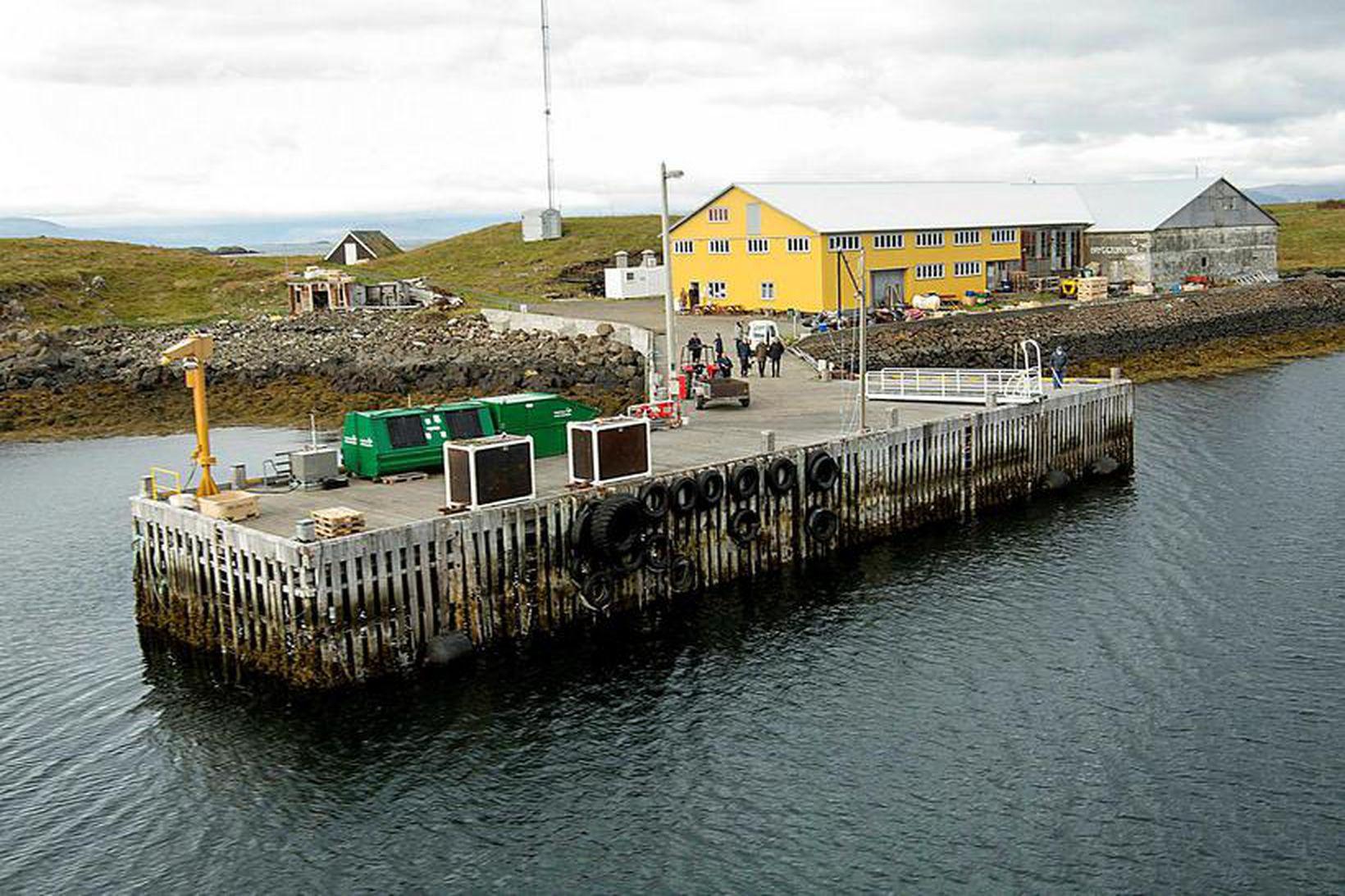 Bryggjan í Flatey þarfnast viðgerða og viðhalds.