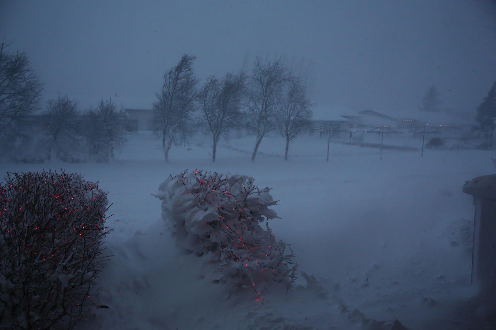 Frá Akureyri í dag. Hættustigi almannavarna hefur verið lýst yfir …