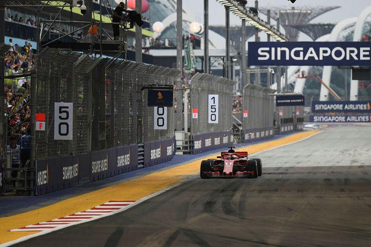 Sebastian Vettel á lokaæfingunni í Singapúr í morgun.
