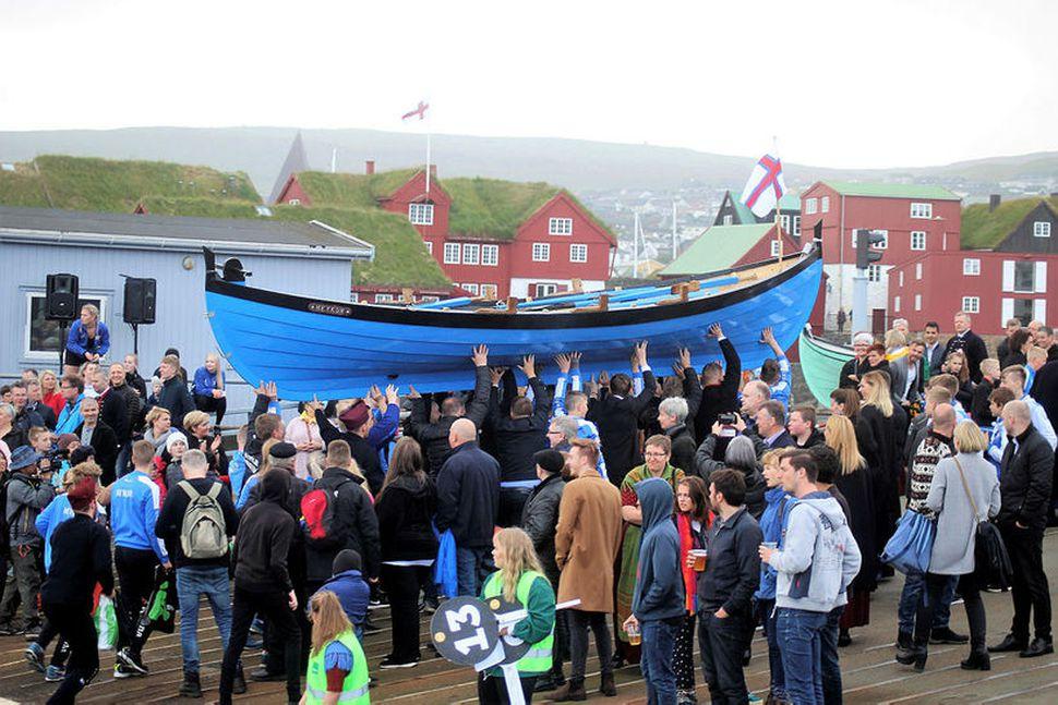 """""""Bundin er bátleysur maður,"""" er færeyskur málsháttur og hér er ..."""