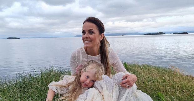 Birgitta Haukdal ásamt dóttur sinni Sögu Júlíu.