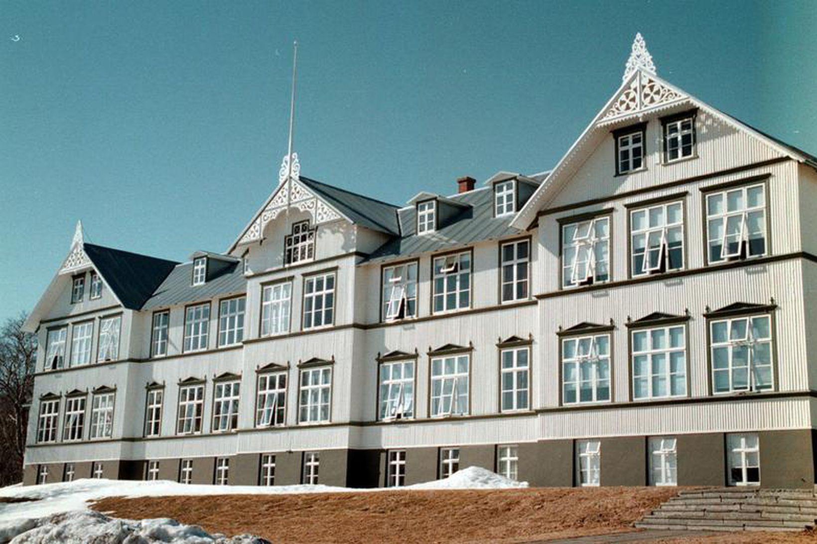 Menntaskólinn á Akureyri.