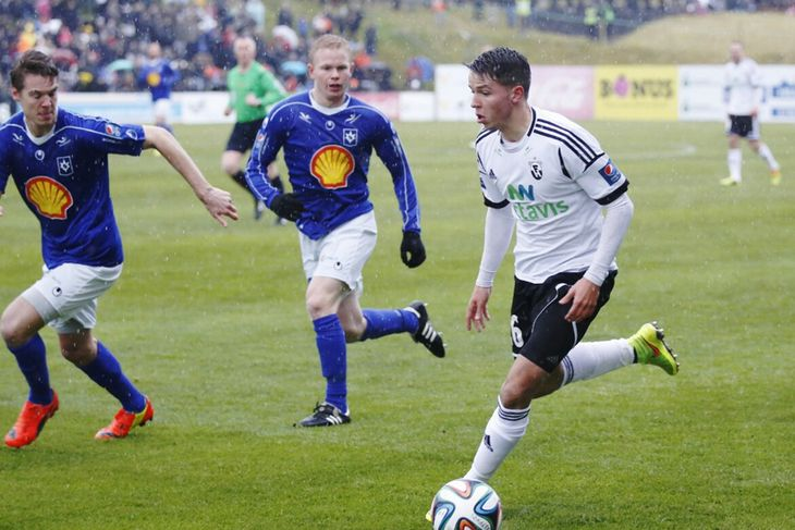 FH-ingurinn Jonathan Hendrickx með boltann gegn Stjörnunni í dag.