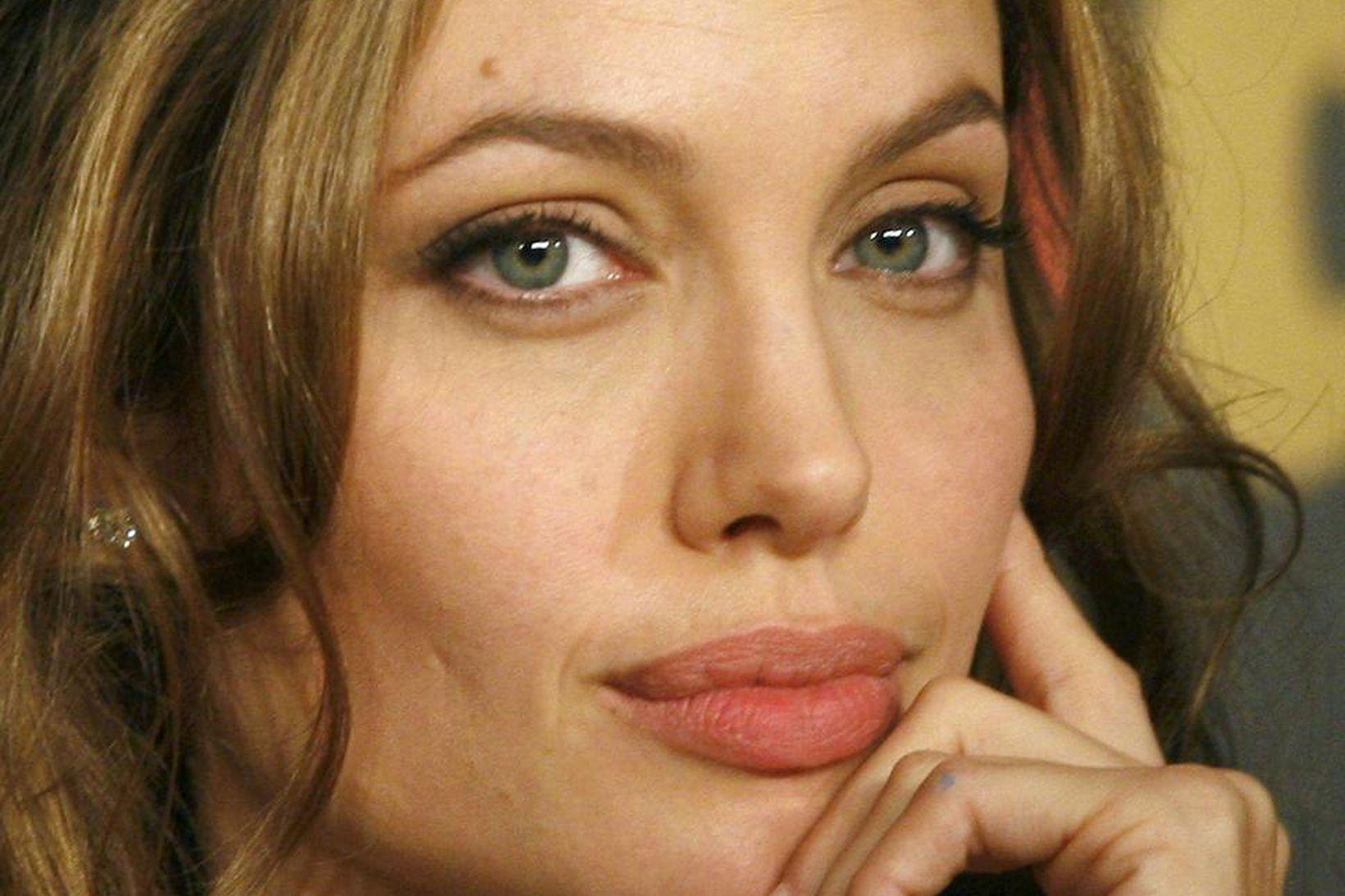 Angelina Jolie varð 46 ára á dögunum og fagnaði því …