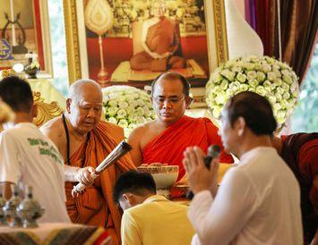 Drengirnir hlutu blessun í klaustrinu Phra That Doi Wao fyrr í dag.