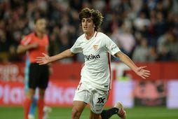Bryan Gil fagnar marki í leik með Sevilla.
