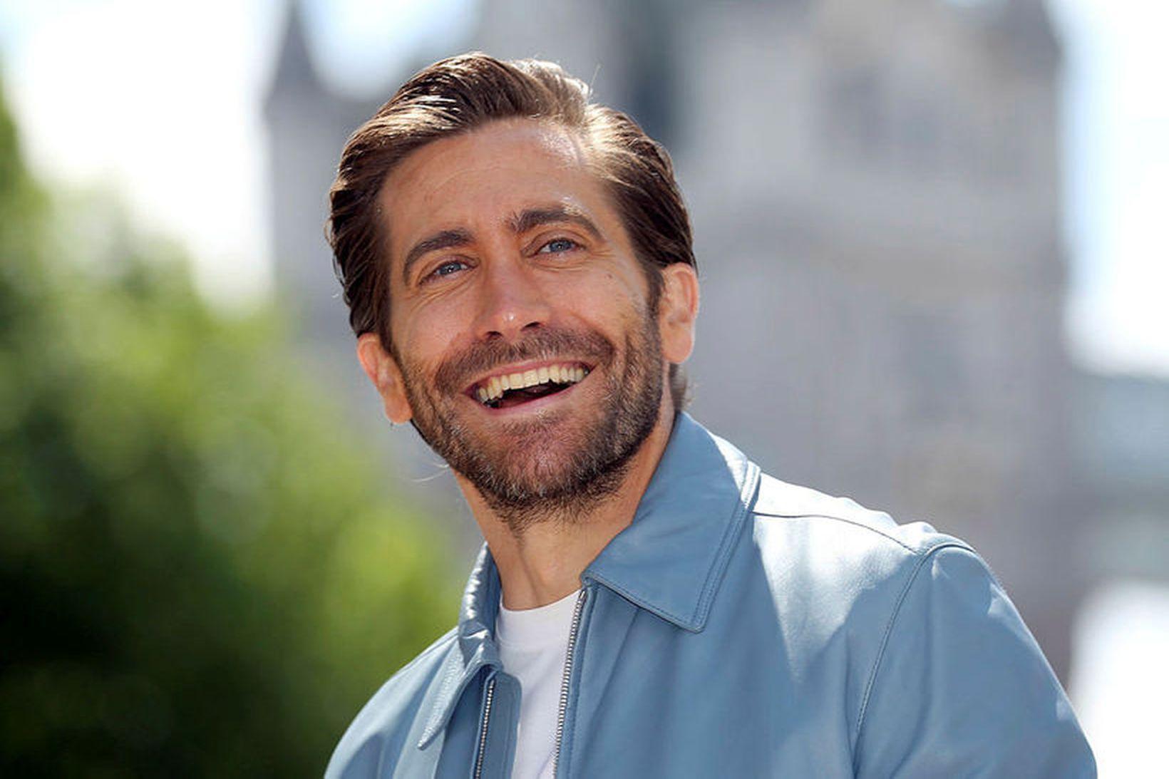 Jake Gyllenhaal elskar systurdætur sínar.