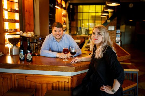 Ragnheiður Axel and Liljar Már who have formed brewery Og natura. Here they are at Skúli Craft bar during the presentation of their products, a blueberry beer and a crowberry wine.